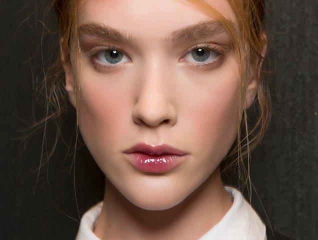 how-to-wear-lip-gloss-l.jpg