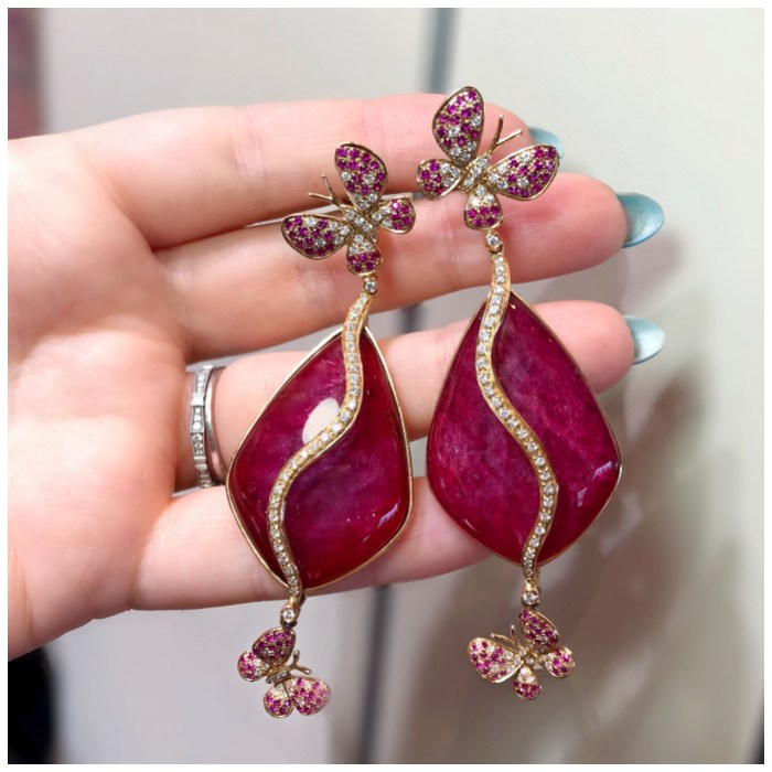 Beautiful butterfly earrings by Moraglione!! I love Italian jewelry design.