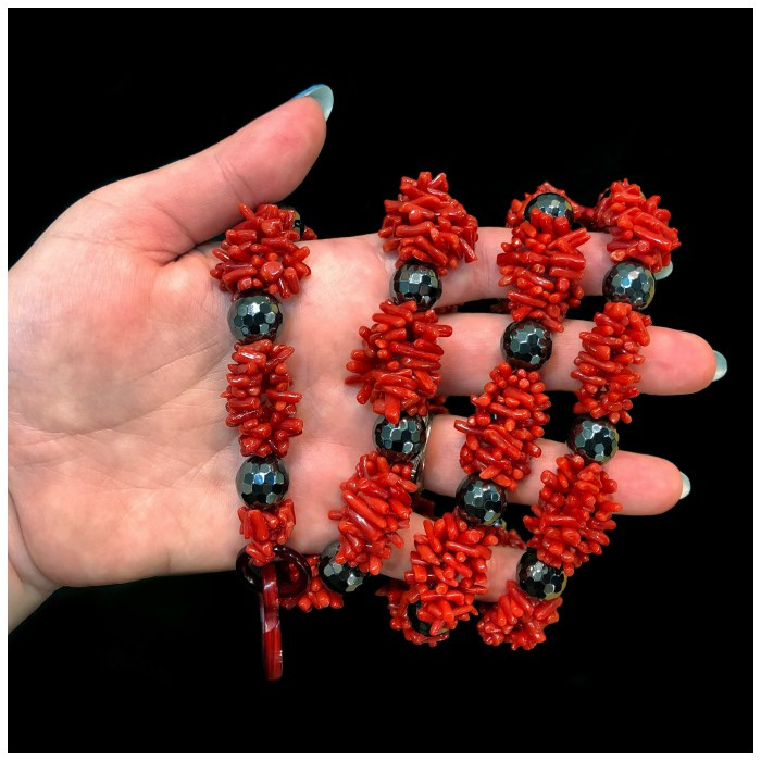 Coral and hematite necklace by Rajola!! Coral is traditional in Italian jewelry design, and Rajola's designs are a wonderful example of this beautiful material.