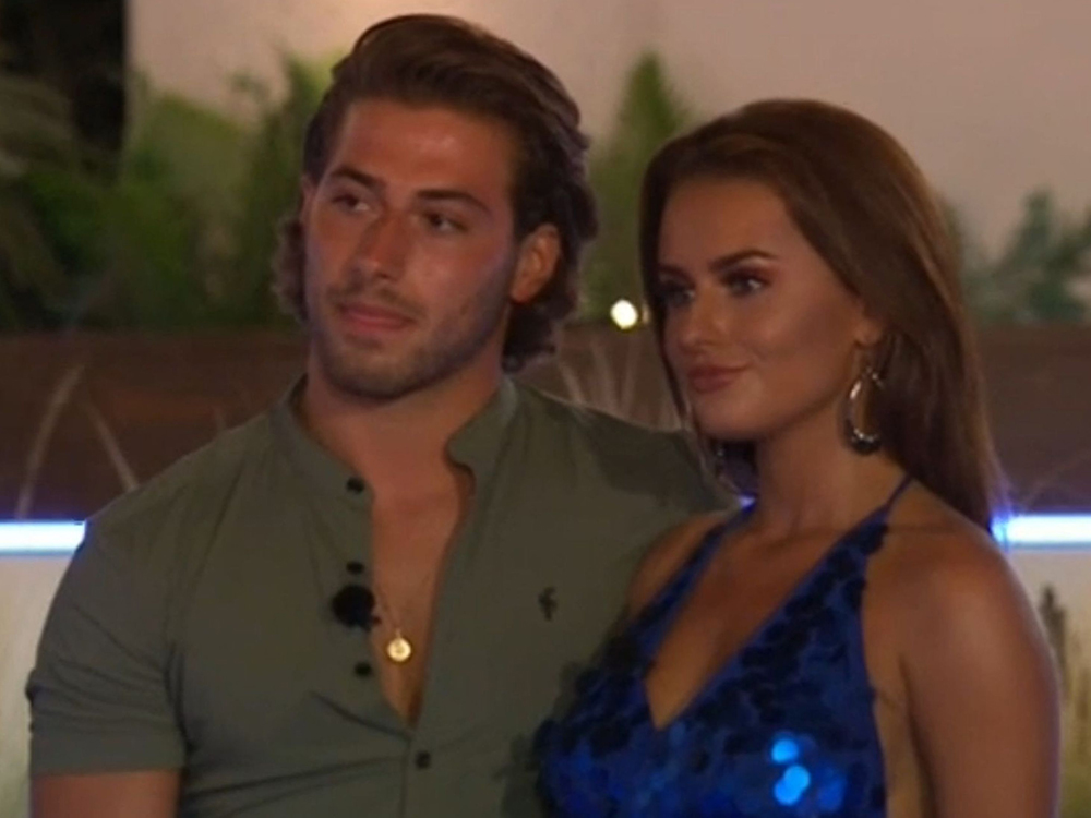 Kem and Amber on Love Island