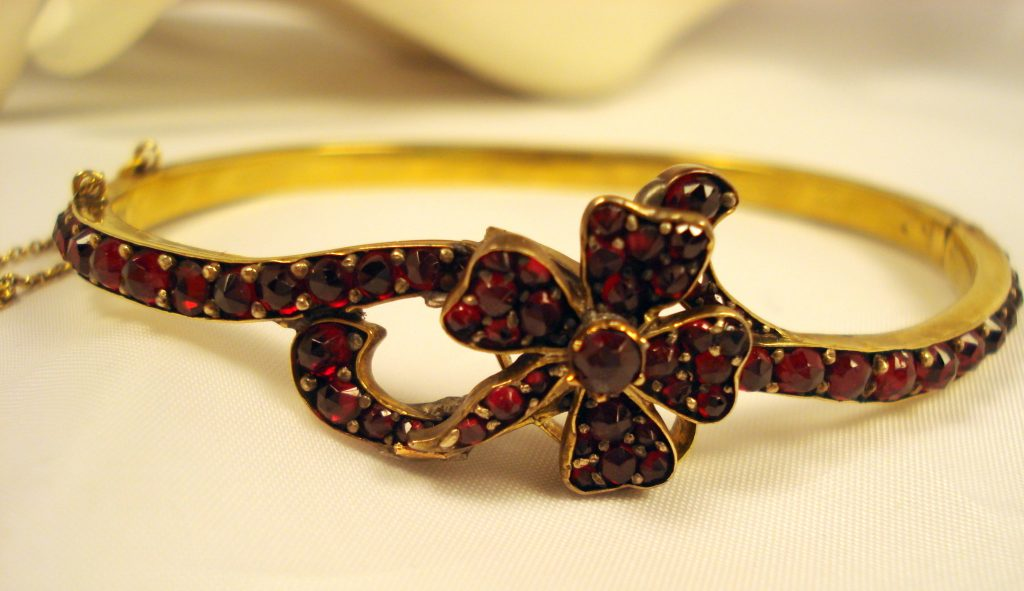 Antique garnet jewelry