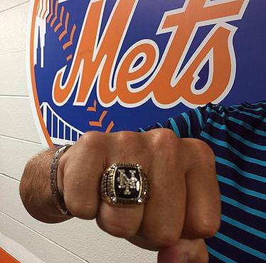 Mets Yankees 2000 Championship Ring