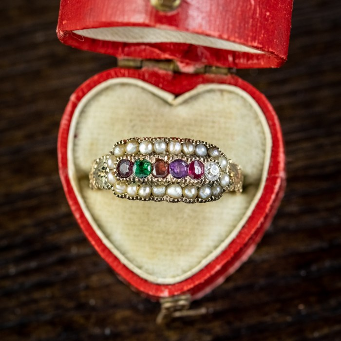 Victorian acrostic ring from Laurelle Antique Jewellery. The gems spell REGARD.